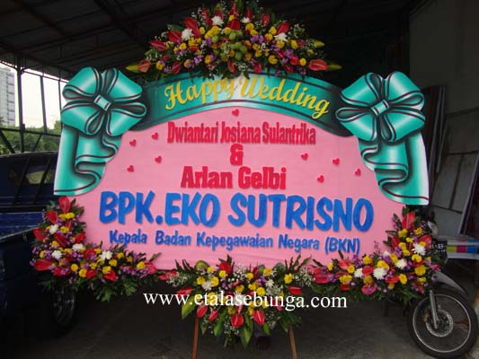 bunga papan wedding 09
